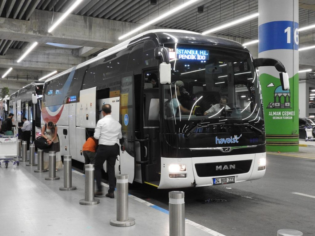 Coach Bus from Istanbul's New Airport to Sultanahmet