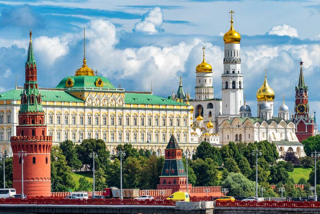 The Best Things to Do in Moscow Russia - The Red Square, the Kremlin, Gorky Park and More!