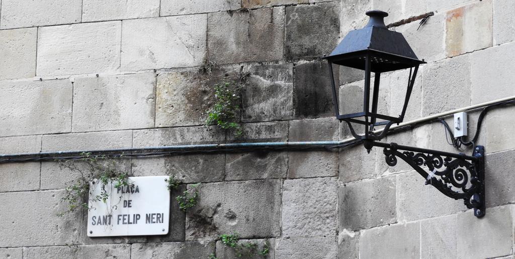 Female Travel Guide to Barcelona's Neighborhoods   Barri Gotic