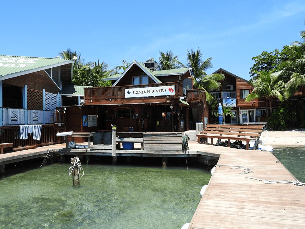 Roatan Divers West End Dive Shop