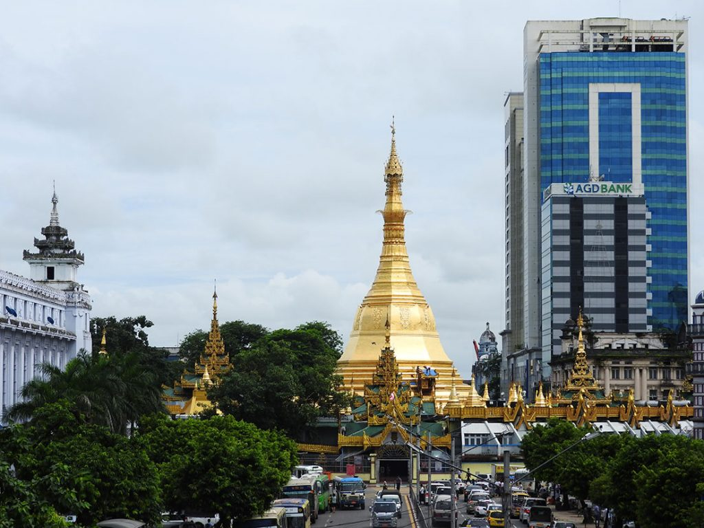 Yangon Travel - Sule Pagoda or Sule Paya