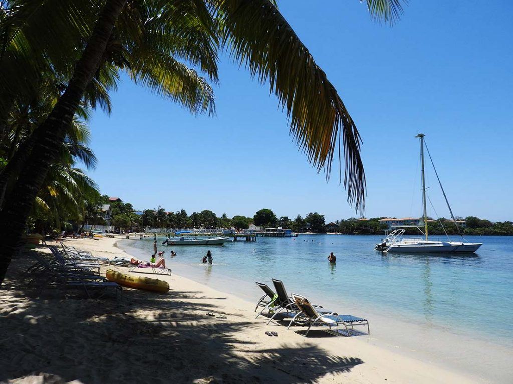 Half Moon Bay Beach - Roatan Honduras (West End)