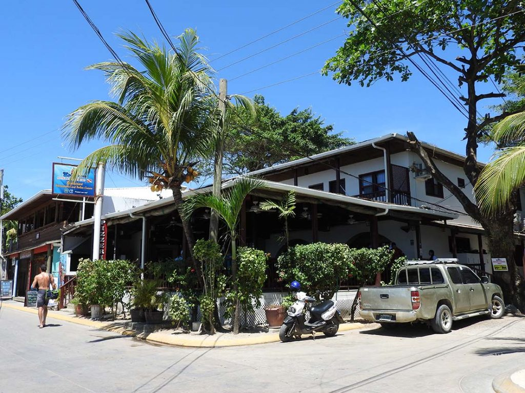 Splash Inn Restaurant in West End Roatan