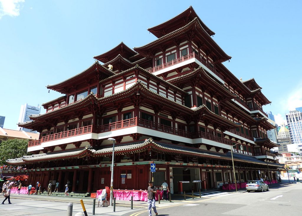 Singapore Tourist Spots - Buddha Tooth Relic Temple and Museum