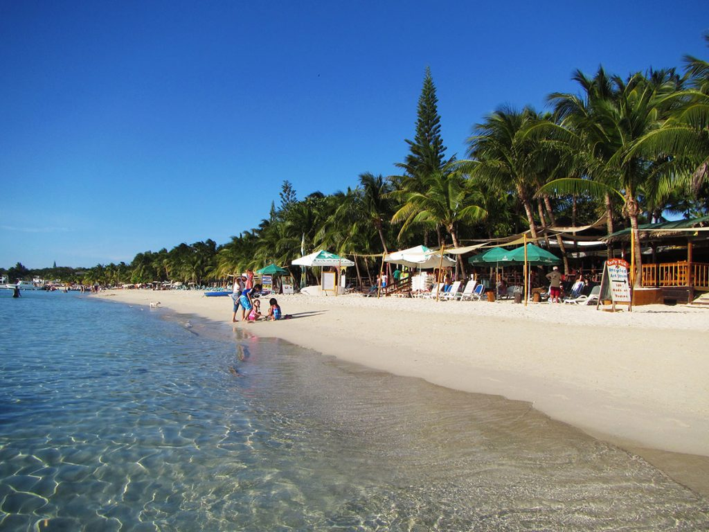 Roatan Excursions - West Bay Beach