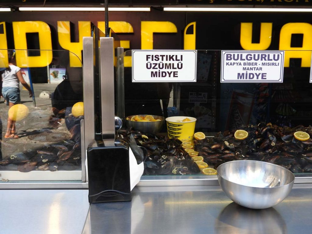 Street Food Mussels in Istanbul on a Turkish Food Tour