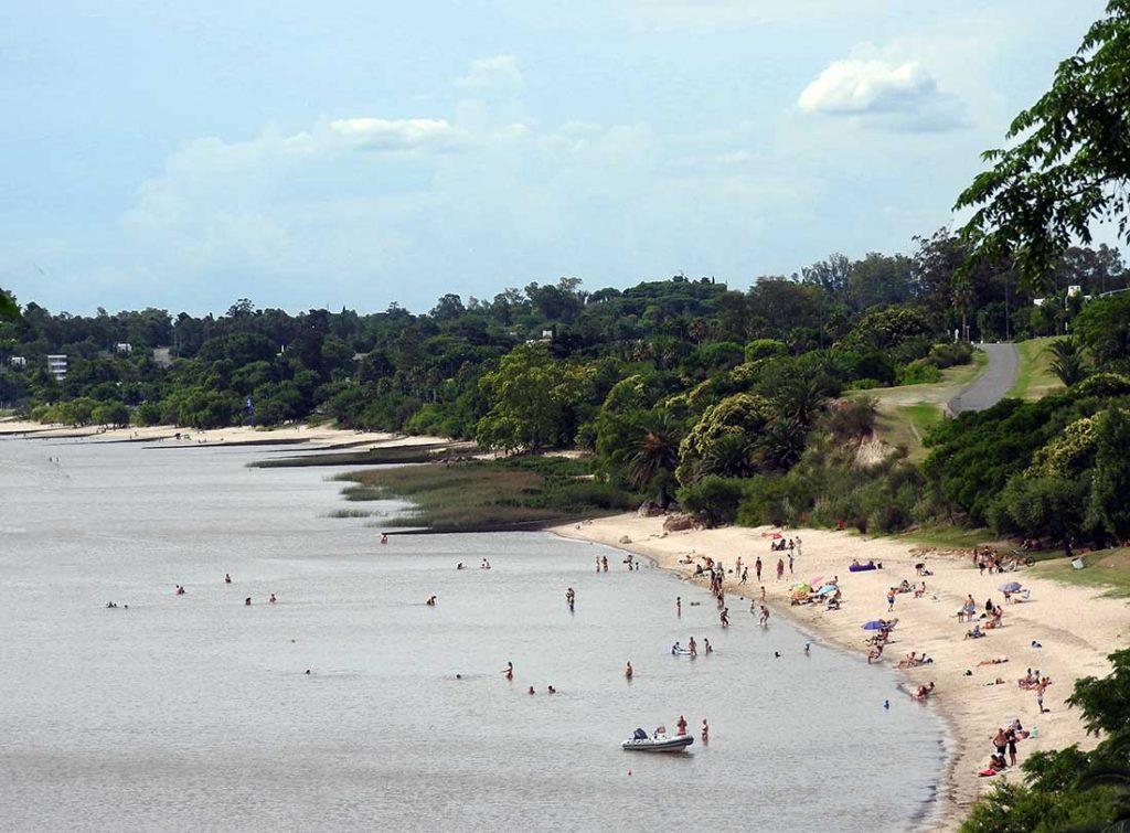 Playa el Alamo, Colonia del Sacramento, Uruguay
